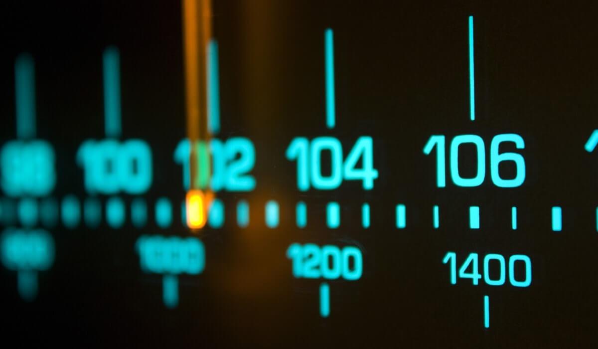radio-fm-podcast-backspace-29